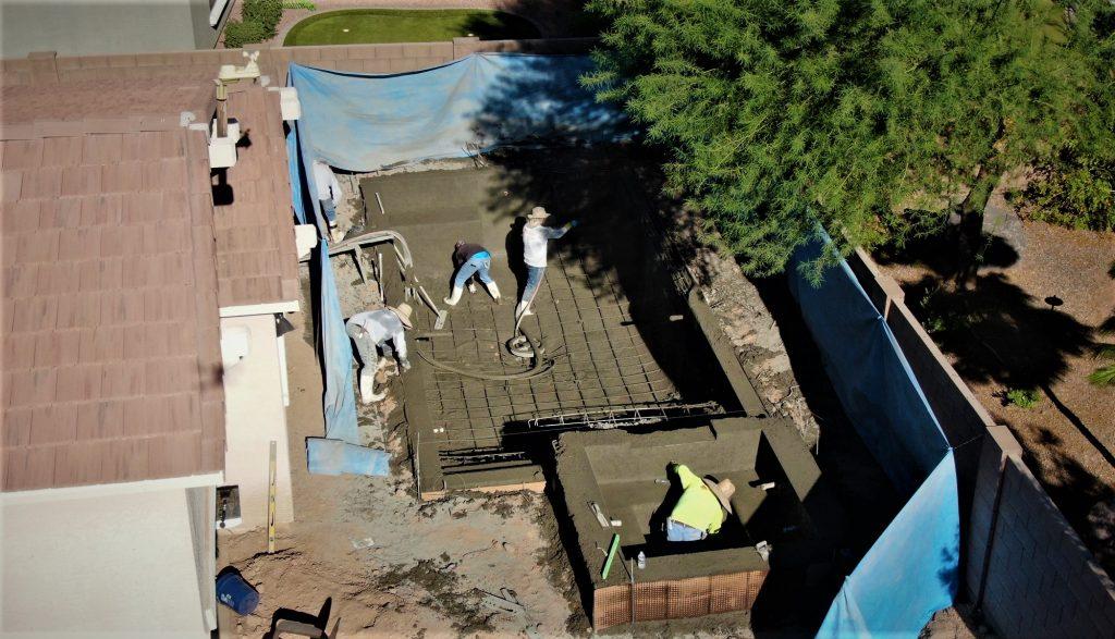 Presidential Pools installing shotcrete concrete in arizona pool